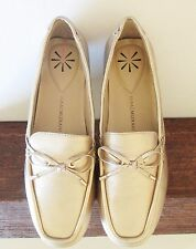 Isaac Mizrahi Women Gold Leather Loafers Shoes Size 8M Flats