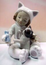 MY PLAYFUL KITTY GIRL HOLDING KITTEN CAT FIGURINE 2011 BY LLADRO PORCELAIN #8586