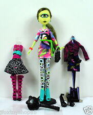New Monster High i Love Fashion Doll IRIS CLOPS w/ doll stand, 3 outfits & shoes