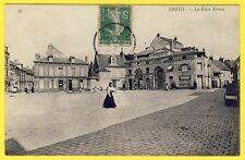 """cpa 28 - DREUX (Eure et Loir) La place ROTROU Café des Maraichers """"Réaubourg"""""""