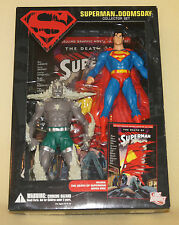 DC Direct Collectibles Superman vs Doomsday Collector Set Death of Graphic Novel