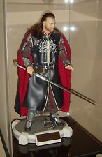 CINEMAQUETTE ARAGORN MINT WITH DISPLAY CASE