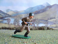 Airfix World War 2 Russian soldier charging 1:32 painted