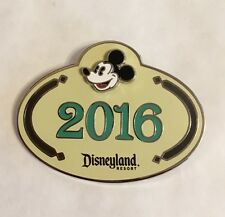 DISNEY DLR 2016 CAST MEMEBER EXCLUSICE MICKEY MOUSE NAME TAG PIN
