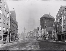 AUGSBURG: PICTURES OF A CITY AROUND 1900  (2001)