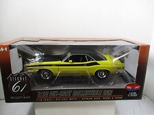 1/18 SCALE HIGHWAY 61 / SUPERCAR BANANA 1971 DODGE CHALLENGER T/A