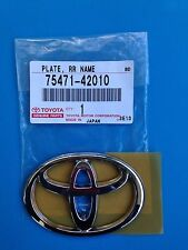 BRAND NEW - TOYOTA PLATE, REAR BODY NAME PART# 75471-42010