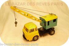 CIJ   FRANCE. RENAULT SAVIEM.  camion GRUE. REF: 3/81