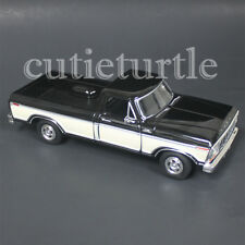 Motormax 1979 Ford F-150 Custom Pickup Truck 1:24 DIECAST 74346 Black / Cream