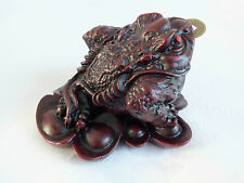 CHINESE RED FENG SHUI 3 LEGGED RESIN MONEY FROG TOAD COIN BIRTHDAY SHOP PARTY A2