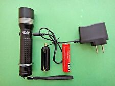 800 Lumens LED Zoomable Torch Flashlight 18650+AC Charger+AAA Holder 8 US Seller