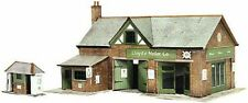 SUPERQUICK B32 COUNTRY GARAGE / PETROL STATION OO CARD KIT SUIT PECO HORNBY ETC
