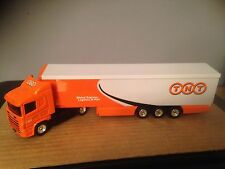 CORGI SUPERHAULERS - SCANIA ARTIC UNIT WITH CONTAINER BOX TRAILER - TNT EXPRESS