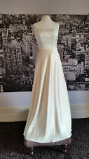 Sample gown, Wedding, Beach Wedding, Special Event, Simply stunning !