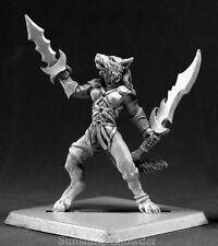 Aislinn Shadow Tracker 14532 - Warlord - Reaper MiniaturesD&D Wargames Werewolf