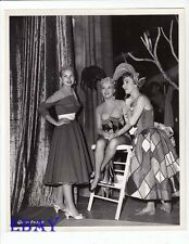 Janet Leigh visits Betty Grable Marge Champion VINTAGE Photo Three For The Show
