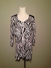 H & M Bl/Wh Zebra 3/4 Sleeve Tunic Sweater Top Faux Quilted Leather Shoulder S