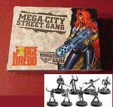 Judge Dredd JD021 Mega-City Street Gang Box Set (8) Miniatures Juves Punks NIB