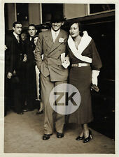 JOAN CRAWFORD Douglas FAIRBANKS Jr PARIS Gare GLAMOUR Fashion Candid Photo 1930