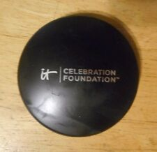 IT COSMETICS CELEBRATION FOUNDATION LIGHT unsealed NWOB