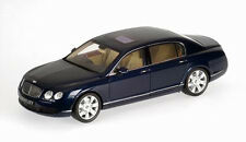 Bentley Continental Flying Spur 2005 blue 1:18 Minichamps