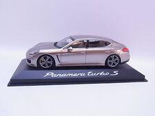 LOT 40240   Minichamps Porsche Panamera turbo S beige Modellauto 1:43 NEU OVP