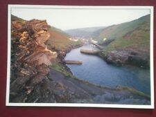 POSTCARD CORNWALL BOSCASTLE HARBOUR - GREAT VIEW DOWN TOWARDS HARBOUR