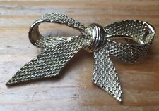 Vintage Big Chunky Bow Brooch/Gold Tone Metal/Pin/Retro/Kitsch/50's Look