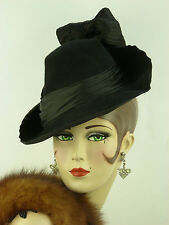 VINTAGE HAT 1940s FRENCH TILT TOPPER w SLOPING BRIM, CROWN, SATIN BAND & BIG BOW