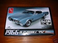 1966 OLDSMOBILE 442 COUPE NEW IN BOX SEALED UNOPENED AMT MODEL KIT 1/25 SCALE