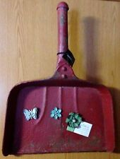 """Cottage~Red~Lg. 20"""" Metal Dust Pan Magnet Memo Board w/3 Decor Magnets Included"""