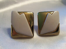 FUNKY COOL Vintage ULTRA CHUNKY Modernist WHITE/GOLDtone CLIP Earrings 13EE70