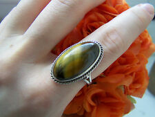 GORGEOUS VERY RARE STERLING SILVER RING WITH LARGE BIG CATS EYE STONE SIZE N