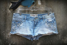 Hollister Hot Mini Denim Short Shorts Size 7 Exposed Pockets Embroidery Hippie