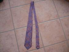 Krawatte aus den 70er Jahren in Lila/Rose gemustert, glänzend von Trevira