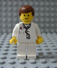 LEGO Classic Town Minifig Doctor Nurse Male Female Short Brown Hair