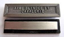 Agrafe barrette ARME BLINDEE ET CAVALERIE pour médailles militaires diverses.