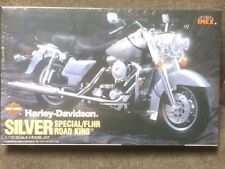 HARLEY DAVIDSON SPECIAL ROAD KING -FLHR - SILVER PLACTIC MODEL