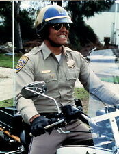 Erik Estrada on Motorcycle CHIPs 8x10 photo P5648