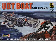 1/35 U.D.T. Boat with Frogmen Plastic Model Kit  85-0313 FREE SHIPPING