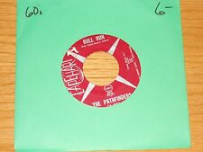 "60's ROCK 45 RPM - THE PATHFINDERS - CAPEHART 5004 ""BULL RUN/SWEET IS THE WOMAN"""