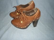 *VINCE CAMUTO*CANASTA BROWN LEATHER/GOLDTONE STUDS LACES UP ANKLE BOOTS~6 B