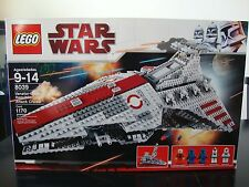 Lego STAR WARS Venator Class Republic Attack Cruiser 8039  NIB