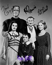 THE MUNSTERS CAST SIGNED 10X8 REPRO PHOTO PRINT fred gwynne al lewis