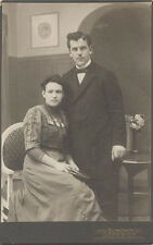 CABINET CARD PORTRAIT OF VERY HANDSOME YOUNG COUPLE W/ NAMES