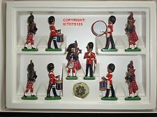 BRITAINS 8305 SCOTS GUARD PIPE + DRUM BAND METAL TOY SOLDIER FIGURE 10 PIECE SET