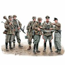 LETS STOP THEM HERE GERMAN MILITARY MEN 1945 1/35 MASTER BOX 35162 DE