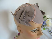 Dove  Gray Cap Caplet w Pink Trim - Matching Hat Pin - Vintage 1930's Womens Hat