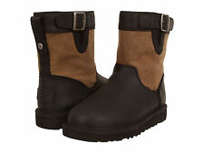 NIB UGG Kids Lockie Youth Size 13 Boys Boots $140 black and beige canvas
