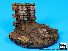 Blackdog Models 1/35 RUINED WALL Resin Display Base